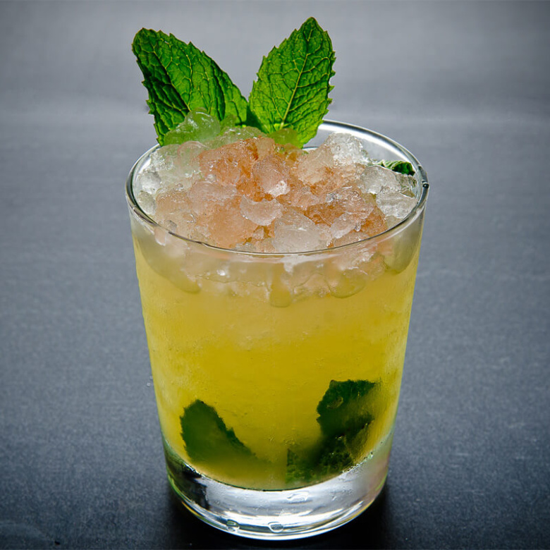 Mint Julep Cocktail Recipe - ShakeThat